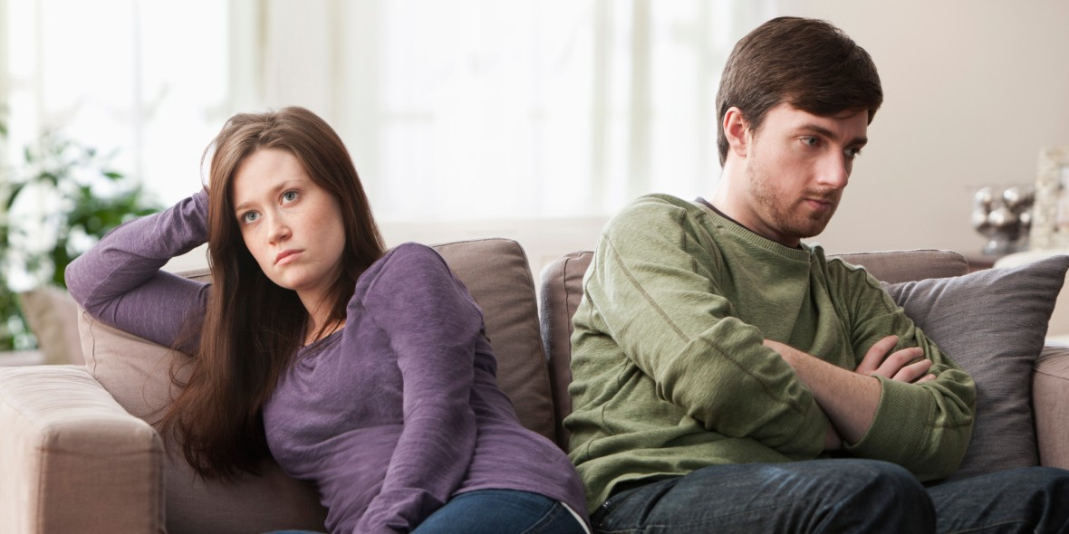 o-unhappy-couple-facebook