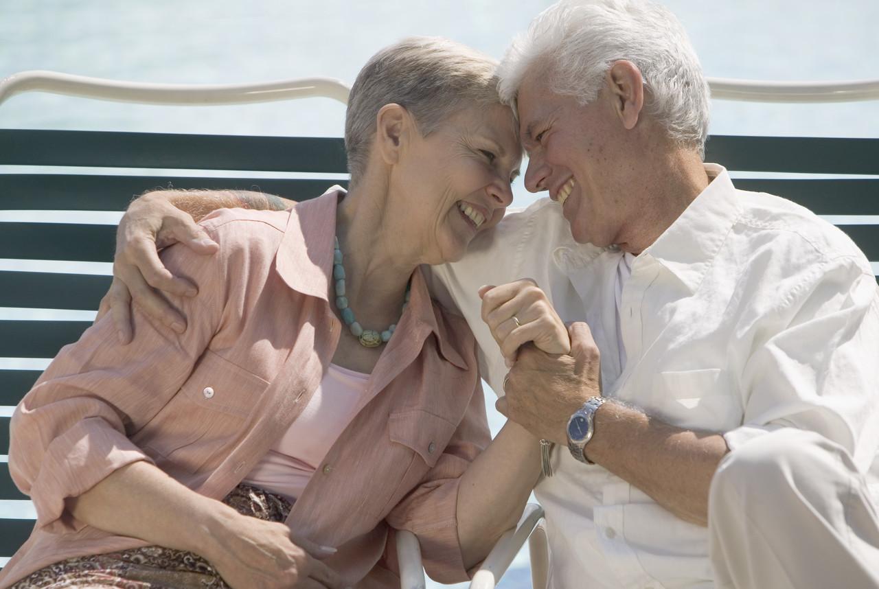 older-married-couple-still-in-love